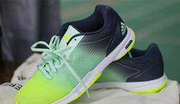 2017女生跑步鞋推荐 Adidas超轻女鞋综合评价