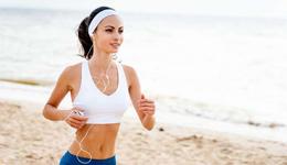 美女跑步引领全民运动 校园男生为学妹们疯狂奔跑