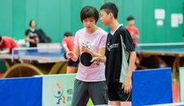 张怡宁造访香港交流行 张怡宁指导香港恒生精英队