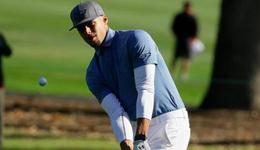 勇士库里参加高尔夫职业赛 库里首战74杆高于标准杆4杆