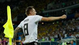 德国最佳球员和最佳教练分别为克罗斯和海因克斯