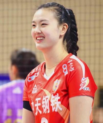 中国女排3-2力克巴西 张常宁爆发轰36分!
