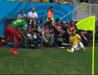 内马尔被推到对方为收获黄牌