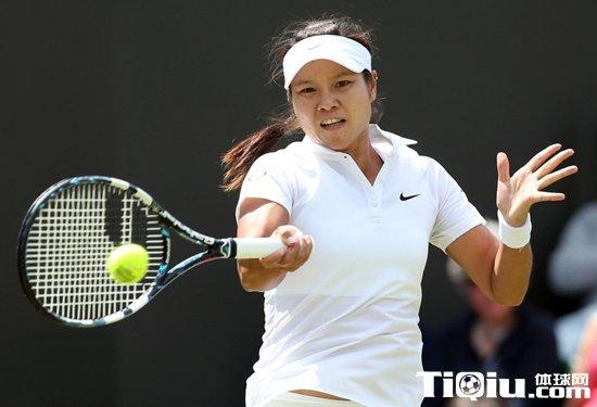 温网:李娜两个6-2胜 率先闯入32强
