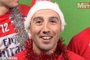 黑贝卖萌卡索拉笑场 枪手群星送圣诞祝福