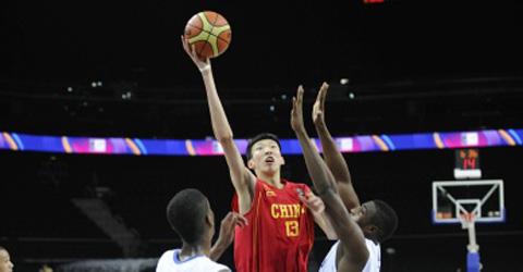 周琦赴美参加巅峰赛 成中国第10人
