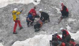 洛阳驴友登山受伤 济源救援队员忙救急