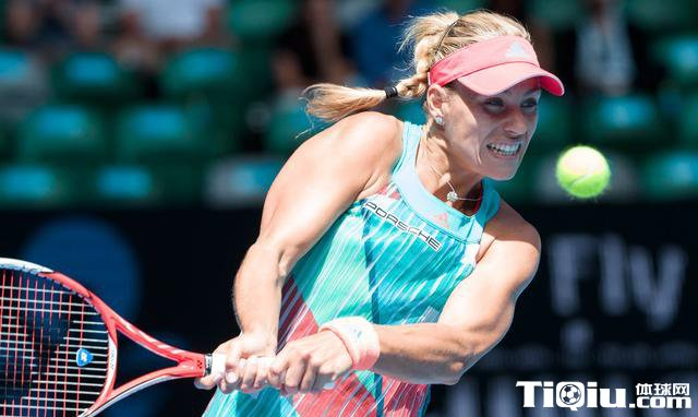 澳网公开赛女单第四轮 阿扎伦卡2-0胜斯特里科娃