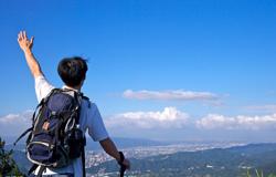 男子登山运动过度腿疼半年 登山要量力而行不可强求