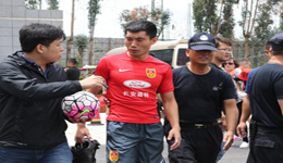 高洪波告诫球员要自律 郑智乃是球员的榜样