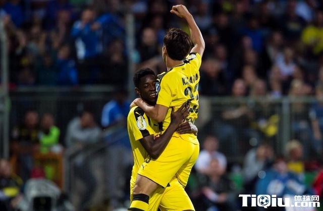 德国杯-多特蒙德3-0特里尔晋级 香川梅开二度