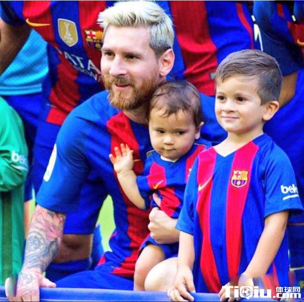 梅西儿子照片曝光_梅西儿子生日 梅西晒照片庆祝_体球网