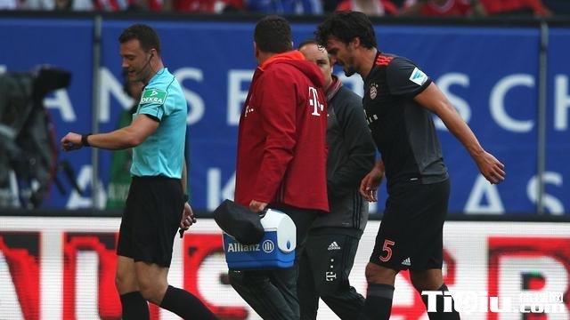 拜仁官方:胡梅尔斯右膝无大碍 下场只因保护