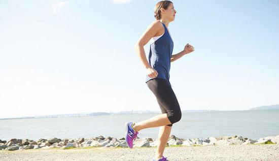 跑步技巧之手臂姿势 加强上肢力量是关键