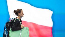 中网a拉德万斯卡完胜孔塔 时隔五年重夺女单冠军