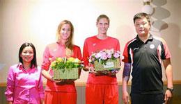 外援帕万和哈维尔科娃亮相上海女排 俱乐部目标依然是冠军