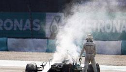 马来西亚站汉密尔顿遭遇爆缸 车队压力大爆缸阴影笼罩