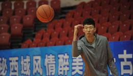 篮协新规引巨大争议 篮协回应球员球鞋风波