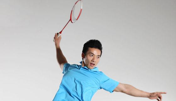 羽毛球拍的选择方法 羽毛球拍网线磅数的判定