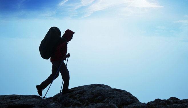 徒步登山装备如何着装 户外徒步注意事项指南