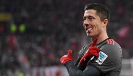 拜仁续约莱万或签至2021 年薪高达1500万欧