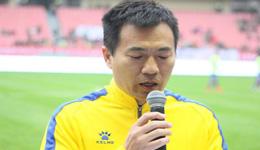黄健翔微博解释中国球员身价高 身价高可增加足球人口