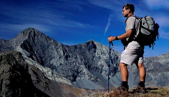 徒步登山装备之登山背包 登山包正确背法注意事项