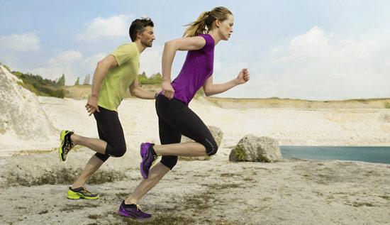 马拉松运动的注意事项 跑步时脚部保护有讲究