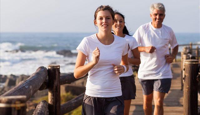 老年人如何提高耐力素质 科学慢跑是良方