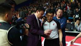 中国篮协整改季后赛问题 裁判看回放需少于三分钟