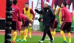 中国球迷干扰韩国球员休息 昔日国足输球8大借口