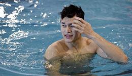 孙杨800自预赛轻松问鼎 闫子贝冠军赛破蛙泳记录