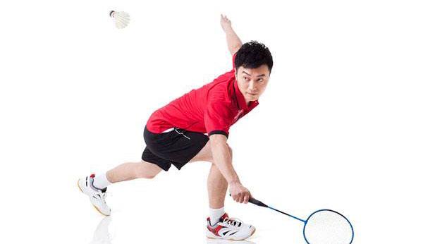 教你怎样打羽毛球 累趴对手的羽毛球技巧