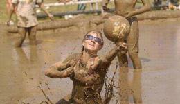 爆笑体育妹子搞笑跳水视频 泥潭跳水出糗搞笑瞬间合集
