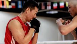 张丰毅拳击健身照片 《人民的名义》沙书记也爱健身