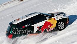 红牛车队雪地赛车性能测试 赛车比赛高清大全视频