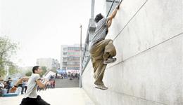 跑酷蹬壁上墙基础教程 跑酷基本动作入门教学