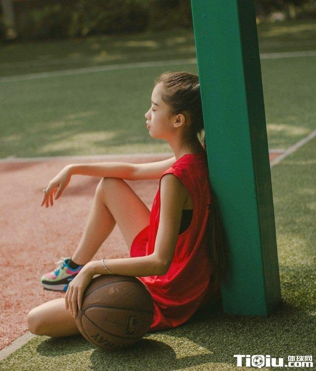 大学校园阳光清纯篮球宝贝写真 中国五月青春时尚宝贝写真