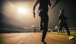 晚上做啥运动能减肥 夜间运动注意事项有哪些