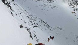 珠穆朗玛峰死了多少人 珠峰惨剧四人登山者遇难