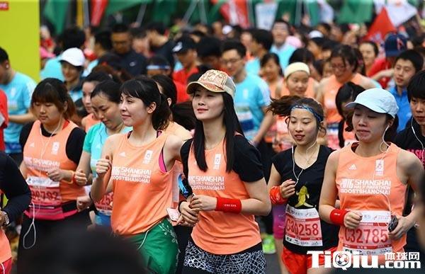 """""""中国式马拉松""""究竟有何异同?对比美国大数据就都懂了"""