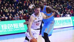 辽宁男篮宣布将放弃兰多夫 正在寻找实力更强的大外援
