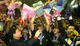 朱芳雨18年CBA生涯结束 荣耀退役成唯一万分先生