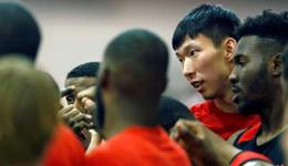 周琦入火箭姚明怎么看 做中国篮球使者替老将拎包