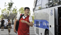 男篮队长周鹏竟然有外号 郭少起的叫做老陈