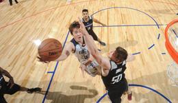 NBA夏季联赛小牛胜国王 小丁高效砍7分小牛进8强