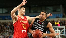 海外拉练男篮8人被罚下 郭少大韩缺阵蓝队负澳洲