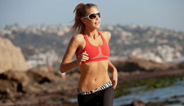 夏季跑步长期健身计划 夏季跑步减肥的最佳方法