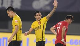 2017中超联赛第21轮 恒大3-0辽足领先上港5分