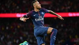 10人巴黎6-2轻取3连胜 内马尔助巴黎赢球轻松加愉快